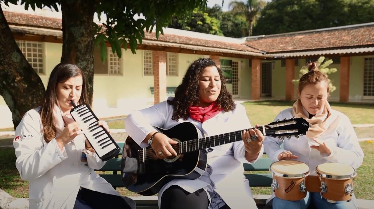 Musicoterapia: a arte de trazer bem-estar aos pacientes